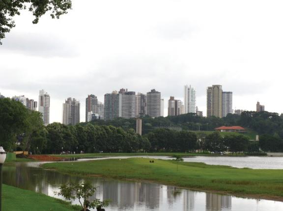 Curitiba foi fundada em 29 de março de 1693 como Vila de Nossa Senhora da Luz dos Pinhais e se tornou capital do estado em 1854.