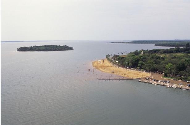 A poluição do rio Iguaçu