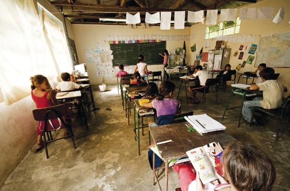 Muitas escolas não oferecem as mínimas condições para o efetivo aprendizado.