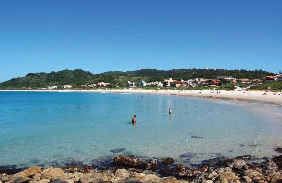 Praia de Quatro Ilhas. Bombinhas (SC).